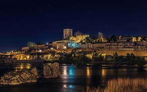 Picture the sky, trees, night, lights, river, stones, shore, home, stars, Spain, Zamora