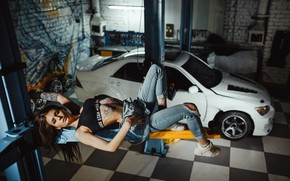 Picture sexy, pose, model, jeans, garage, makeup, Mike, figure, tattoo, hangar, hairstyle, lies, brown hair, topic, …