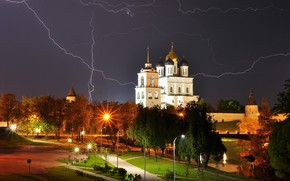 Picture the storm, night, the city, lightning, lighting, lights, Cathedral, tower, The Kremlin, dome, Pskov, Chrome