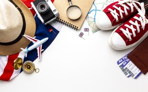 Picture hat, sneakers, hat, flag, the camera, Britain, Notepad, the plane, magnifier, British, compass, passport, tickets