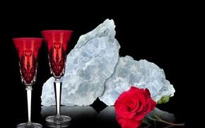 Picture red rose, quartz, red cups, blue quartz