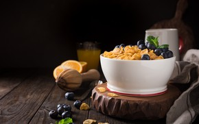 Picture berries, Breakfast, milk, corn flakes, Iryna Melnyk