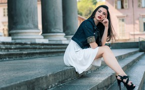 Picture look, girl, the city, pose, photo, dress, steps, beauty, bokeh