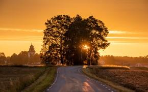 Picture Sweden, Östergötland, Road to church, Stora Vänge