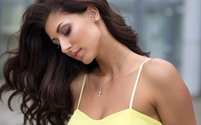 Wallpaper model, in yellow, Dmitry Sn, bokeh, makeup, hairstyle, Daria, beauty, brown hair, background, portrait