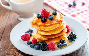 Picture berries, raspberry, table, blueberries, plate, stack, dessert, cakes, BlackBerry, napkin, syrup, submission, pancakes, cuts, pancakes, …