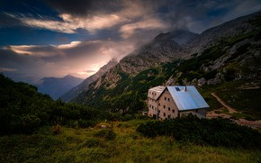 Picture the sky, clouds, mountains, Italy, The Dolomites
