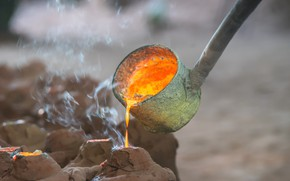 Picture metal, liquid, foundry