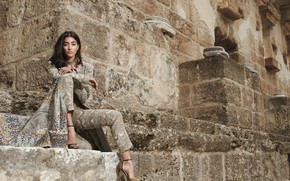 Picture girl, fashion, beautiful, model, indian, actress, celebrity, bollywood, traditional, Pooja hegde