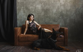 Picture girl, pose, sofa, dog, Doberman, Juliana Mizinova, Юлия Кеворкянц