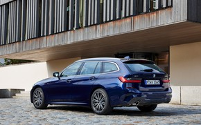 Picture the building, BMW, 3-series, universal, dark blue, 3P, 2020, G21, 330d xDrive Touring