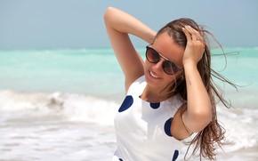 Picture sea, girl, the sun, pose, smile, makeup, dress, horizon, glasses, hairstyle, brown hair, bokeh