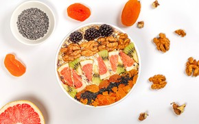Picture berries, kiwi, nuts, BlackBerry, muesli, dried apricots, dried fruits