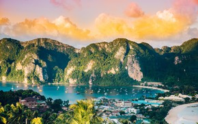Picture sea, mountains, yachts, Thailand, Phi