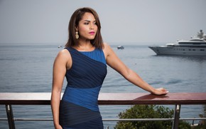 Picture look, pose, actress, brunette, Monica Raymund, Monica Raymund, the background is the sea