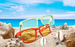 Picture sand, sea, beach, summer, the sky, the sun, clouds, stay, horizon, glasses, shell, bokeh