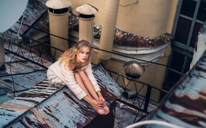 Picture girl, the city, on the roof, Yaroslav Sokolkin