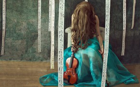 Picture girl, notes, violin