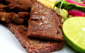 Picture macro, food, meat, pieces, lime, vegetables, steaks