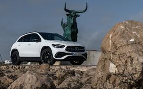 Picture Mercedes-Benz, statue, crossover, GLA, 4MATIC, GLA-Class, 2020, AMG Line, GLA 250
