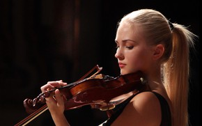 Picture violin, Anastasiya Petryshak, soloist