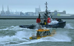 Picture wave, tug, boat