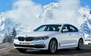 Picture white, the sky, asphalt, clouds, snow, trees, mountains, tops, BMW, Parking, sedan, hybrid, 5, four-door, …