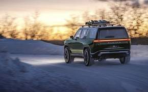 Picture light, snow, the evening, turn, SUV, 2019, Rivian, R1S