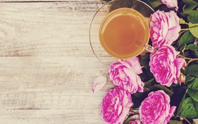 Picture flowers, roses, petals, pink, wood, pink, flowers, cup, petals, roses, tea, Cup of tea