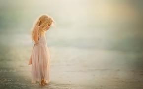 Picture sea, shore, girl
