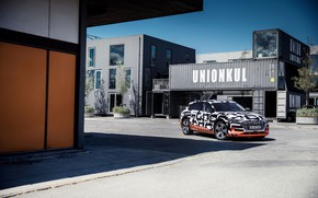 Picture Audi, street, Parking, 2018, E-Tron Prototype