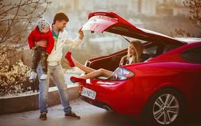 Picture Anna Morgunova, child, car, people, family, male, machine, woman, the trunk