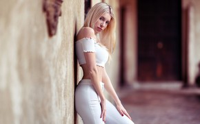Picture look, pose, model, portrait, makeup, figure, hairstyle, blonde, is, in white, bokeh, sexy, the wall, …