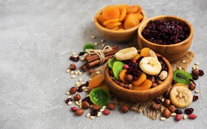 Picture table, bowl, nuts, spices, dried fruits