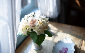 Picture rose, bouquet, hydrangea, tulle