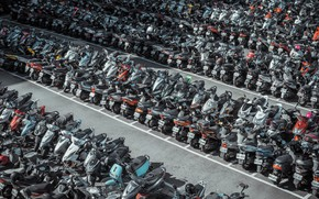 Picture the city, motorcycles, Parking