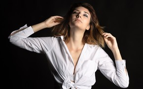 Picture pose, shirt, the dark background, Rebecca