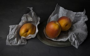 Picture paper, the dark background, plate, fruit, still life, peaches, swipe