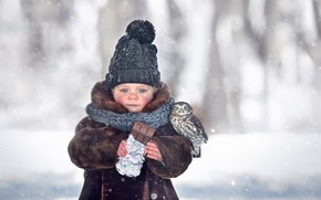 Picture winter, snow, hat, girl, chocolate, baby, chick, child, coat, owlet, Marianne Smolin
