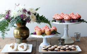 Picture bouquet, cookies, wood, cakes, cupcakes, cupcakes