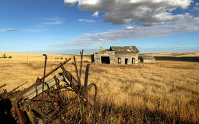 Picture field, the barn, old seeder