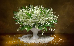 Picture bouquet, vase, lilies of the valley, napkin