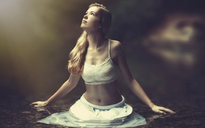 Picture chest, girl, light, skirt, in the water, Assaf Lazar