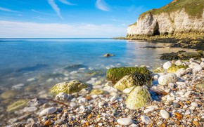 Picture sea, beach, summer, clouds, pebbles, blue, stones, rocks, shore, the bottom, horizon, blue sky