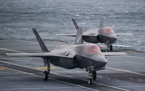 Picture Fighter, The carrier, F-35B Lightning II, HMS Queen Elizabeth (R08)