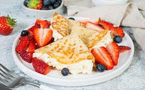 Picture blueberries, strawberry, pancakes, cheese