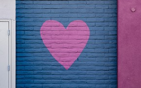 Picture wall, heart, paint