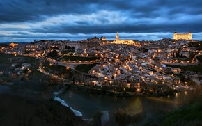 Picture the city, Toledo, Blue hour