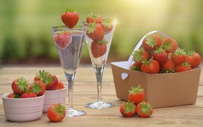 Picture berries, table, food, glasses, strawberry, cocktail, drink, box, composition