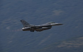 Picture UNITED STATES AIR FORCE, General Dynamics F-16 Fighting Falcon, the fourth generation fighter, American multifunctional …